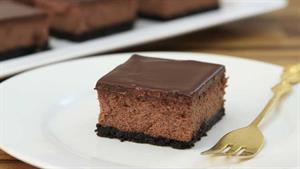 طرز تهیه کیک شکلاتی فقط با سه ماده