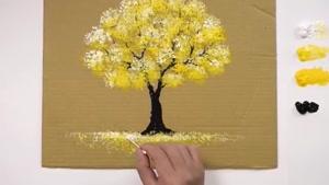 آموزش نقاشی درخت زیبا بر روی کارتن