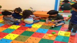 بازی درمانی کودک کلیپ 1