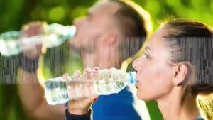 آیا آب درمانی به لاغری کمک میکند؟