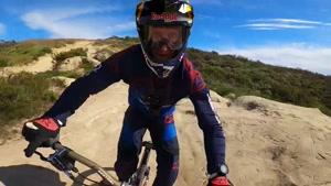 دوچرخه سواری حرفه ای در دل طبیعت