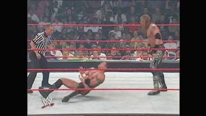 مبارزه بین اج و رندی اورتون در مسابقه عنوان 2004