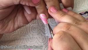 آموزش کاشت ناخن با طراحی دست