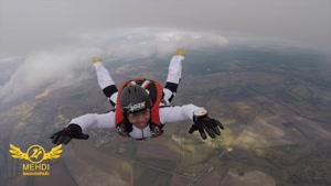 آموزش سقوط آزاد از هواپیما به محمد