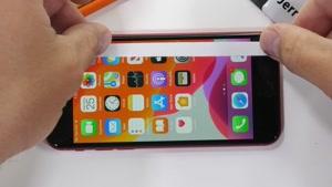 تست مقاومت گوشی iPhone SE 2020