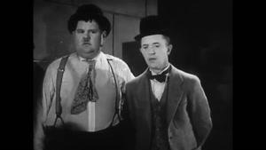 کلیپ خنده دار لورل و هاردی با داستان - نجات یک زن