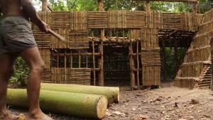 ساختن یه خونه جنگلی لاکچری همراه با باغچه و استخر!