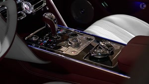 رونمایی از خودروی جدید Bentley Flying Spur