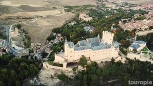 معرفی 12 قلعه زیبا و دیدنی در اروپا