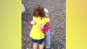 صحنه های خنده دار مراقبت خواهر از کودکان