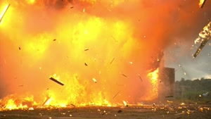 صحنه آهسته انفجار نارنجک دستی