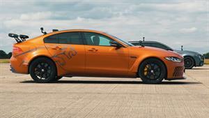 مقایسه خودرو های amg e63 s و jaguar project 8