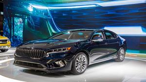 تصاویری از خودرو سدان کیا کادنزا 2020