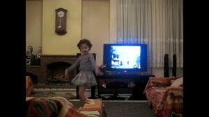 کلیپ رقص دخترونه کوچولوی بامزه