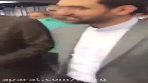 خبر : حضور آذری جهرمی وزیر ارتباطات در بازار موبایل چارسو