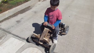 کلیپ نمایش ماشین دست ساز شارژی برای کودک