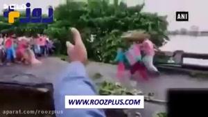 حادثه دلخراش برای اعضای یک خانواده روی پل