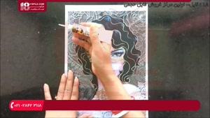 روش نقاشی چهره یک زن همراه با گل های رز بر روی شیشه