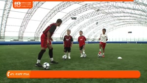 آموزش فوتبال به کودکان - تمرین به کودکان برای دریبل زدن