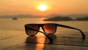 عینکهای آفتابی چطوری ساخته میشه😎